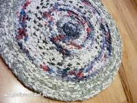 Rag Rug - 58 cm Round - Upcycled cotton fabric