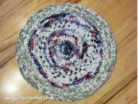 Rag Rug - 58 cm Round - Upcycled cotton fabric